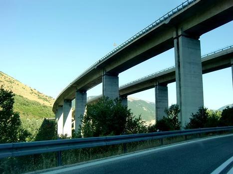 Talbrücke Cocullo