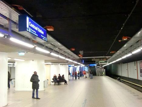 Metrobahnhof Centraal Station