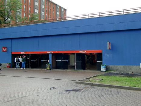 Bonola Metro Station - access