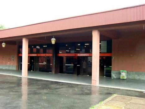San Leonardo Metro Station - access