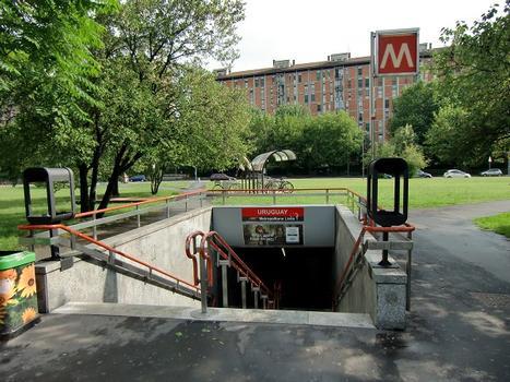 Uruguay Metro Station - access