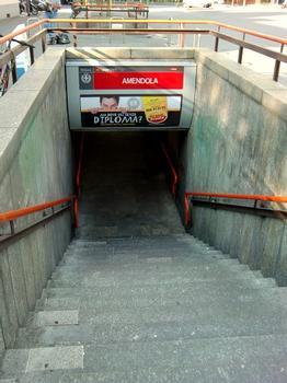 Amendola Metro Station, access
