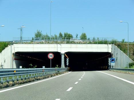 Papa Urbano III Tunnel
