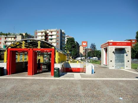 Affori Centro Metro station, access