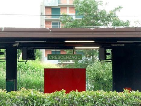 Crescenzago metro station, platform