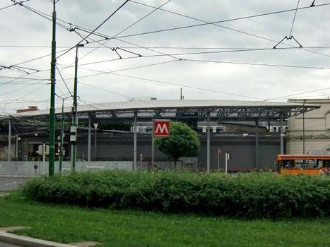 Lambrate FS metro station, access