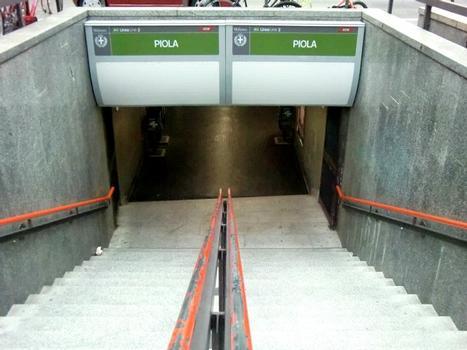 Piola metro station, access