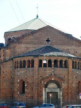 Basilica of San Nazaro in Brolo, abside from via Pantano