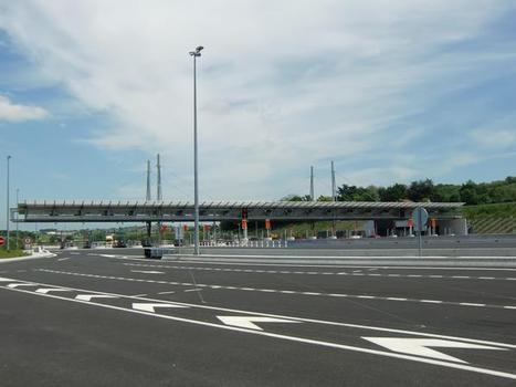 A 89 Motorway (France), Saint Romain de Popey toll barrier