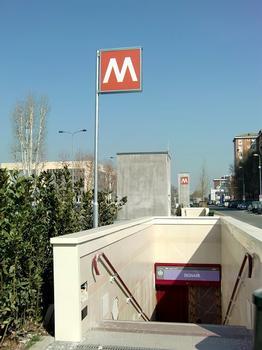 Bignami Metro Station - access