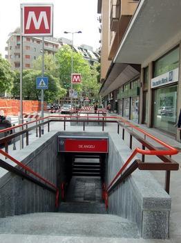 De Angeli Metro Station, access
