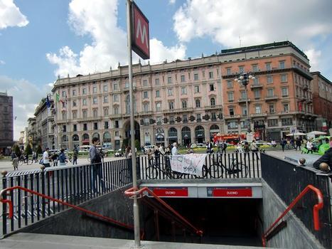 Duomo Metro Station, access