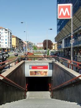 Gambara Metro Station, access
