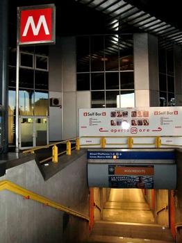 Rogoredo FS Metro Station, access