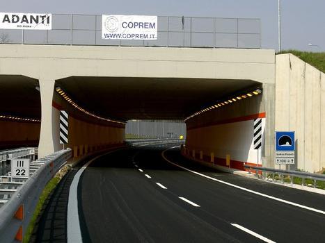 Luchino Visconti Tunnel