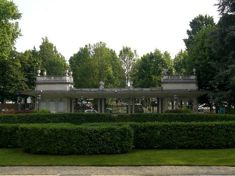 San Siro Hyppodrome gates