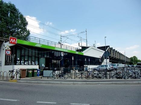 Cassina de' Pecchi Metro Station