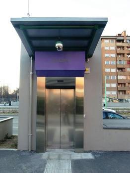 Bignami Metro Station, lift