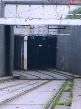 Bicocca Tramway Tunnel, Egeo portal