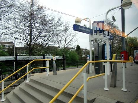 Metrobahnhof Poortwachter
