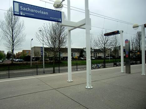 Metrobahnhof Sacharovlaan