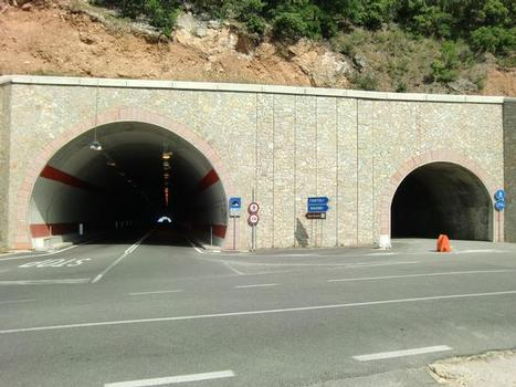 Cala Gonone-Tunnel
