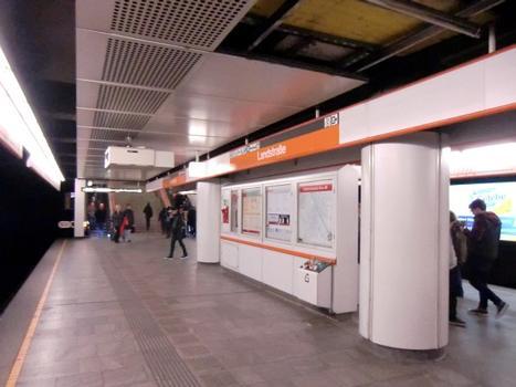Landstrasse Metro Station, platform