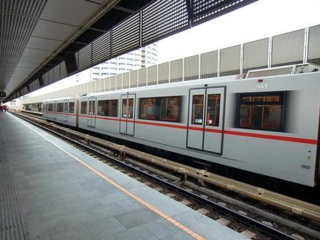 Ottakring U3 Station, platform
