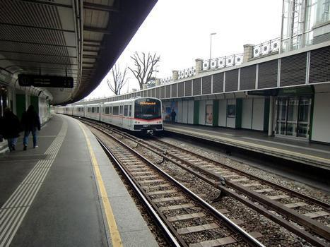 Hietzing Metro Station, line U4