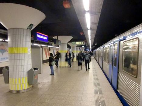 Metrobahnhof Waterlooplein