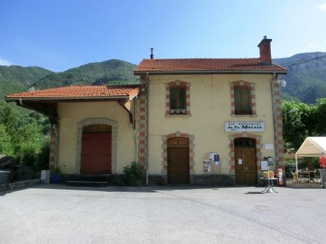 Touët sur Var Station