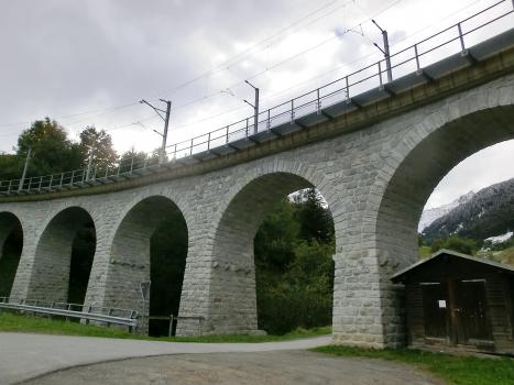 Eisenbahnviadukt Val Cuoz