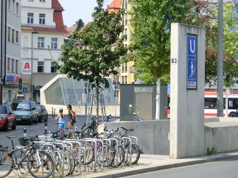 Station de métro Friedrich-Ebert-Platz