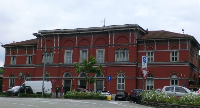 Bahnhof Laveno Mombello Nord