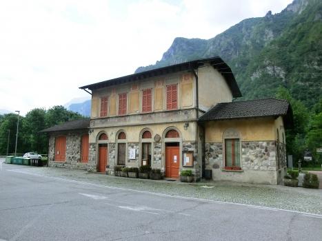 Bahnhof Lenna