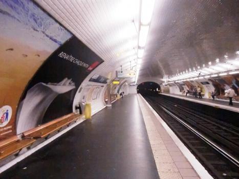 Bercy Metro Station