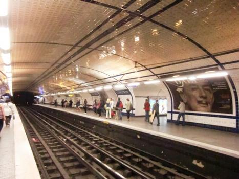 Concorde metro station line 12 platform