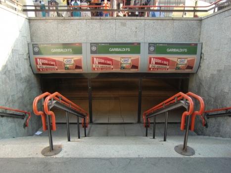 Garibaldi FS Metro Station, access