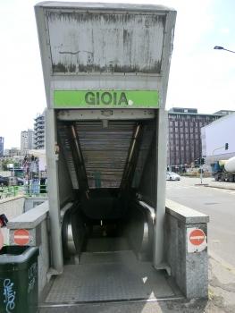 Gioia Metro Station, exit