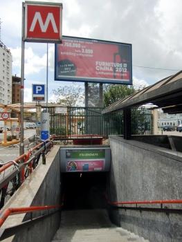 Porta Genova FS Metro Station, access