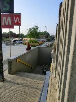 Rogoredo FS Metro Station access