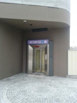 Tre Torri Metro Station, lift