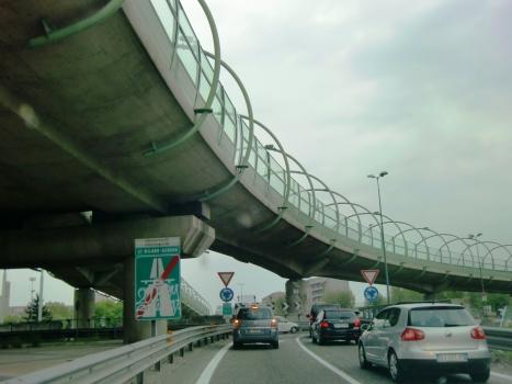 Viaduc sur la Piazza Maggi