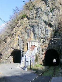 San Fedele di Verceia road Tunnel southern portal, Mine Tunnel access, Verceia rail Tunnel southern portal : from left to right