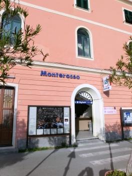 Monterosso Station