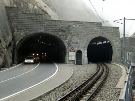 Urnerloch southern portals