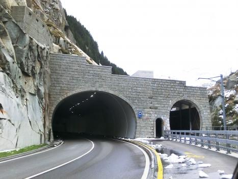 Urnerloch-Nasse Kehle Tunnel road, pedestrian and railroad southern portals