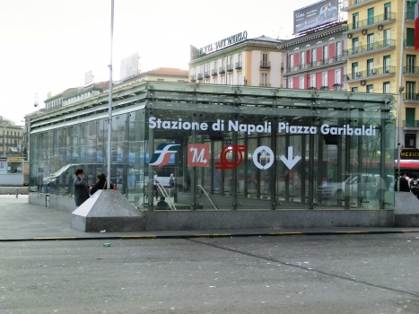 Napoli Piazza Garibaldi Station access