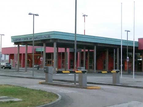 Flughafen Perugia