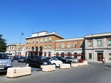 Gare de Piacenza